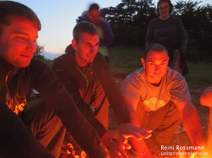 Survival Training Lagerfeuer